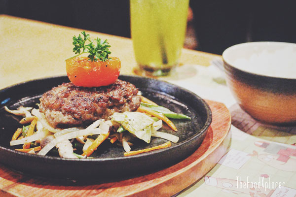 Cheese-Beef-Hamburg-Ten-Ten---Plaza-Indonesia