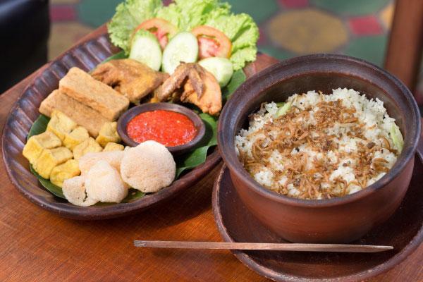 Nasi-Kendil---Cafe-Resto-Bandung