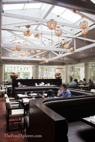 Signatures-Restaurant---Interior-Kempinski-Hotels-Jakarta