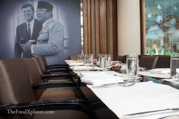 Signatures-Restaurant---Kempinski-Hotels-Jakarta