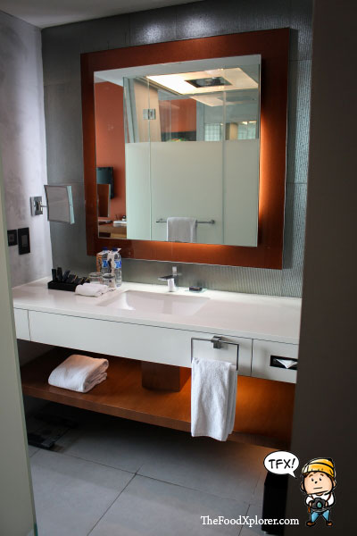 Bathroom-Pullman-Hotel-Jakarta-Indonesia-Central-Park