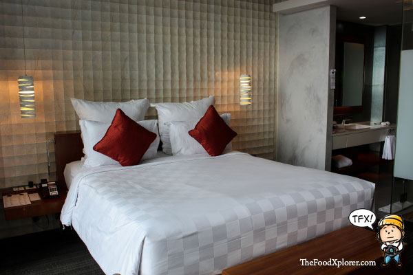 Bed-Pullman-Central-Park-Jakarta---Indonesia