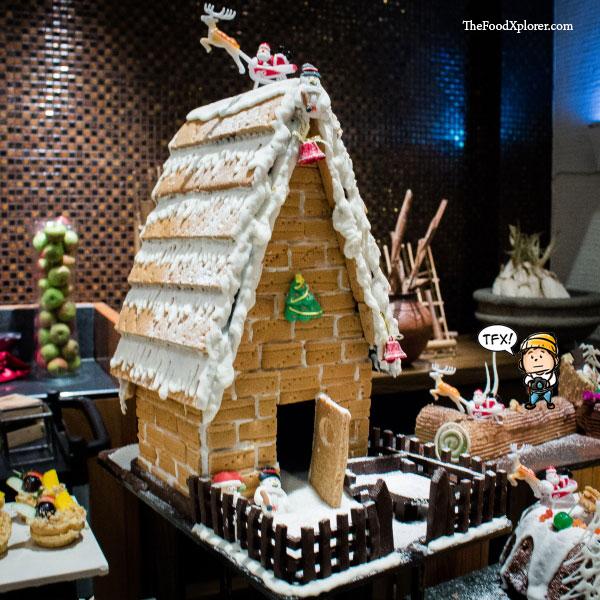 GingerBread-House---Natal-Hilton-Hotel-Bandung-2015