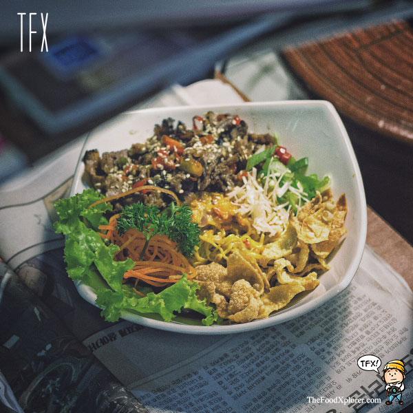 Best-Hongkong-Noodles-in-Bandung-Restaurant