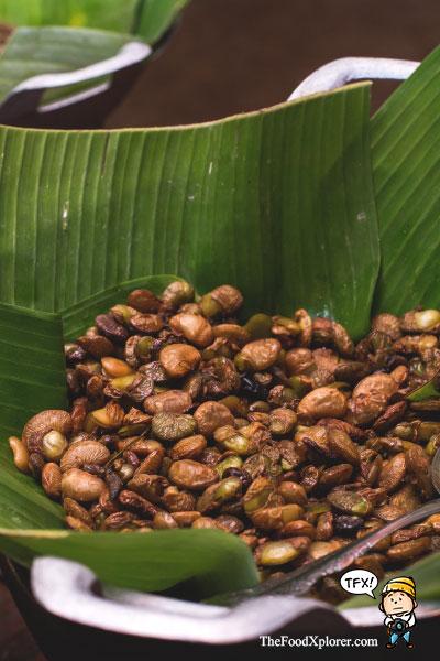 Dapur-Hawu---Sundanese-Restaurant---The-Lodge-Maribaya