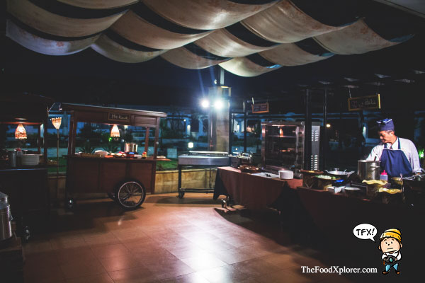 Gubuk-gubuk-stall-makanan-di-hotel---Prama-Grand-Preanger--Back-to-kampoeng
