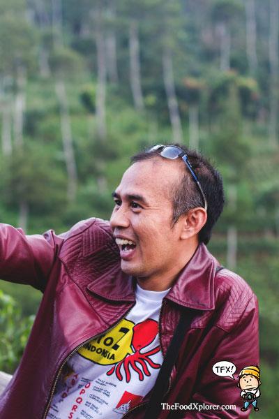 Kang-Ali-dan-Kaos-Gurita--Blogger-Bandung