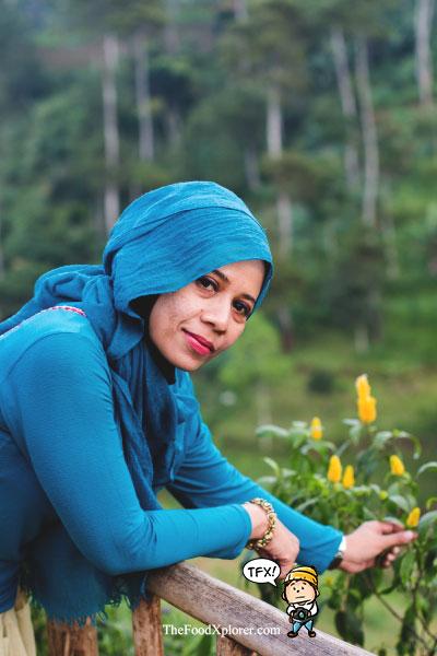 Mbak-Al---Blogger-Bandung---The-Lodge-Maribaya