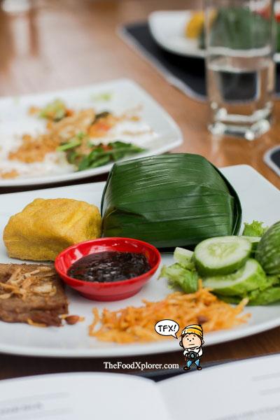 Nasi-Timbel-Gepuk-Saute-Bandung-Family-Resto