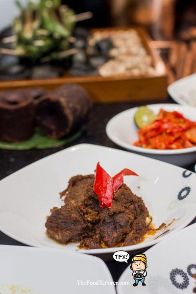 Rendang-Padang---Khas-Minang---The-Food-Xplorer