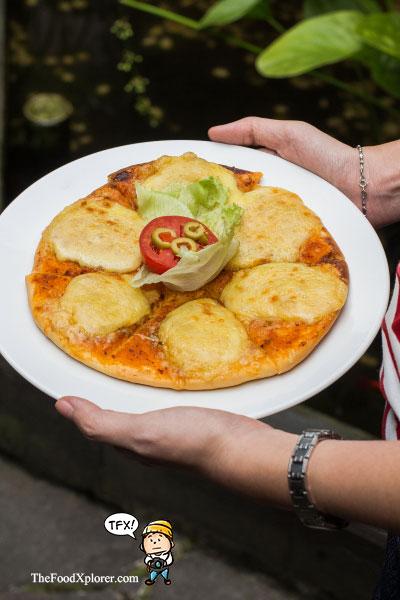 Pizza-Tizis-Bandung