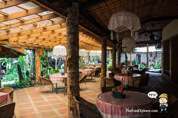 Tizis-Cafe-Legendaris-Bandung