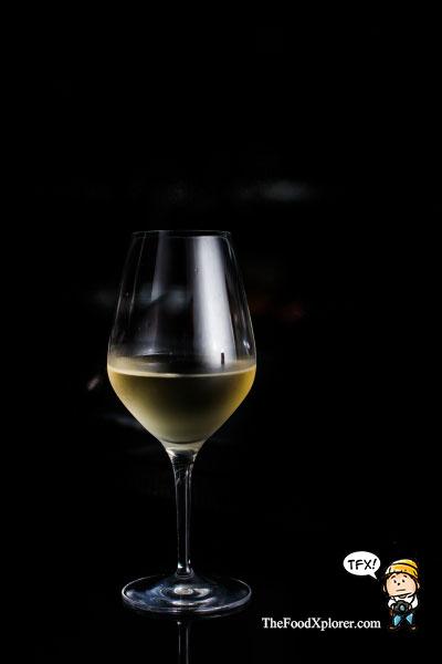 tempat-minum-wine-di-bandung-magma-lounge