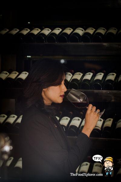 wine-tasting-hilton-bandung