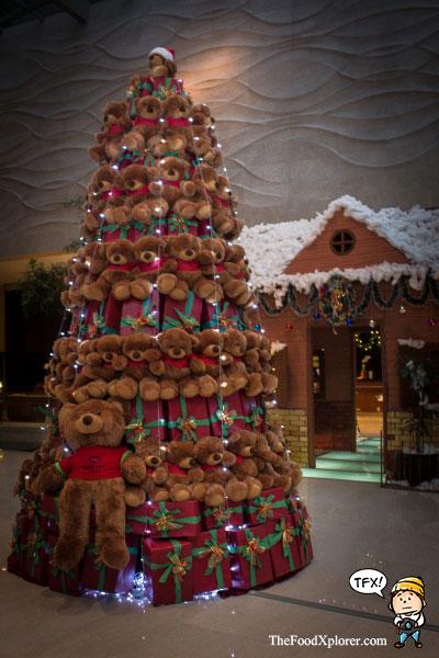 hilton-bandung-christmas-tree