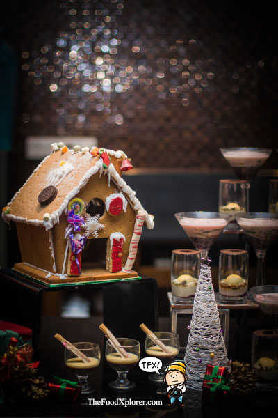 yule-logs-ginger-bread-christmas-2016-hilton-hotel-bandung